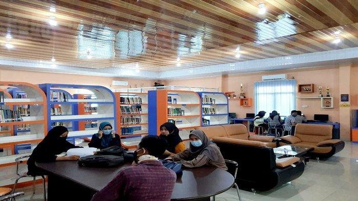 Perpustakaan Stihpada Palembang Jadi Ramah Milenial, Baca Buku Serasa di Kafe, Bahkan Bisa Karaoke