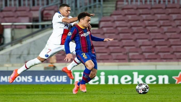 Tumbang Oleh PSG, Mantan Pemain Lontarkan Kritikan: Barcelona Tampak Kecil