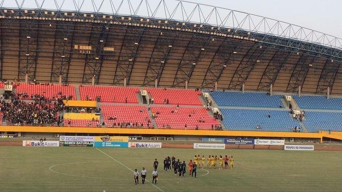 Sriwijaya FC Didenda Lagi Kali ini Rp75 Juta Karena Ulah Suporter Main Petasan di Stadion