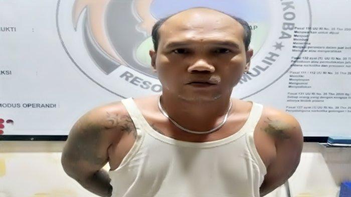 Sucay Warga Prabumulih Ditangkap Polisi Saat Sedang Bersama Keluarga, Tak Akui Jadi Bandar Sabu