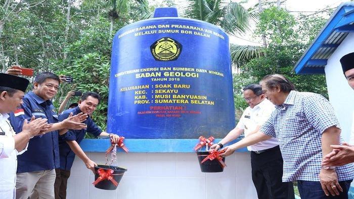 Atasi Masalah Air Bersih di Muba, Dodi Reza Perjuangkan Pengadaan Sumur Bor untuk Warga