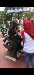 CPI dan DPT Sumsel Bagikan Takjil di Simpang 5 DPRD Sumsel