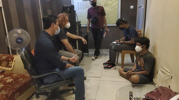 Rumah Istri Muda Dikepung Team Rajawali Satreskrim Muara Enim, Donot Terlibat Pencurian Buah Sawit