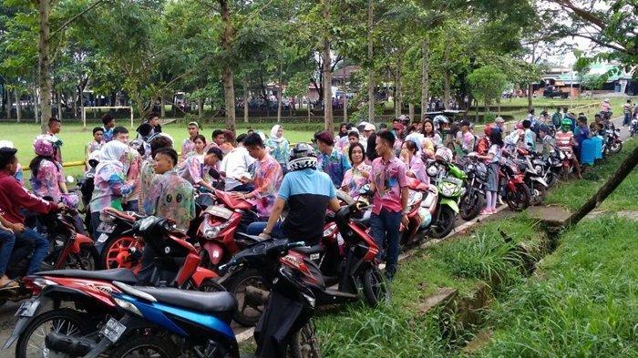 Tertangkap Kamera Siswa di Pagaralam Nekat Bawa Motor ke Sekolah Meski Dilarang Pihak Pemkot