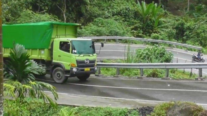 Tanjakan menuju PLTU Teluk Sirih Padang