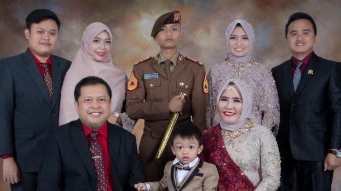 Sekda OKU DR Drs Ir H Achmad Tarmizi SE SH MT MSi MH dan keluarga