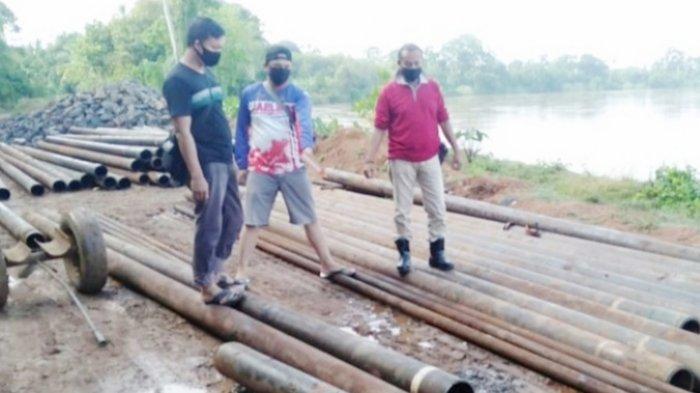 KAPOLSEK Gunung Megang Pimpin Tim Trabazz Tangkap Tiga Pelaku Pencurian Pipa Pertamina