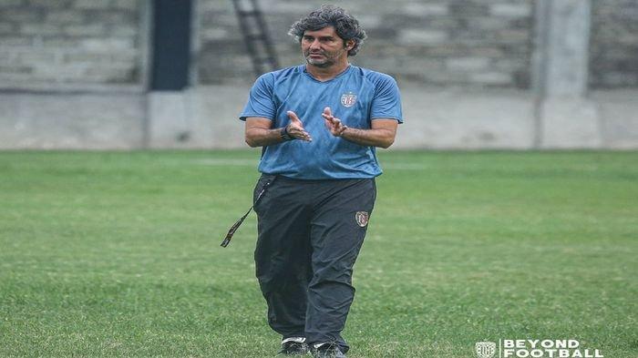Sosok Temen Lama Teco yang Membantu Persiapkan Skuad Bali United untuk 8 Besar Piala Menpora 2021
