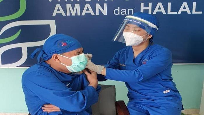 35 Tenaga Kesehatan Rumah Sakit Bukit Asam Medika Divaksin Covid-19