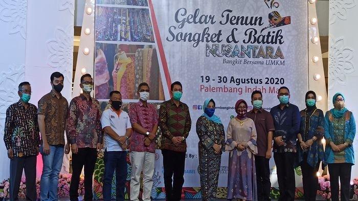 PIM Kembali Gelar Even Tenun Songket dan Batik Nusantara Bangkit Bersama UMKM, Ada Baju Batik Pria