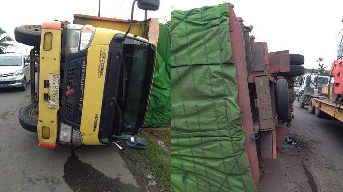 Hindari Jalan Berlubang, Truk Terguling di Jalan Palembang Betung