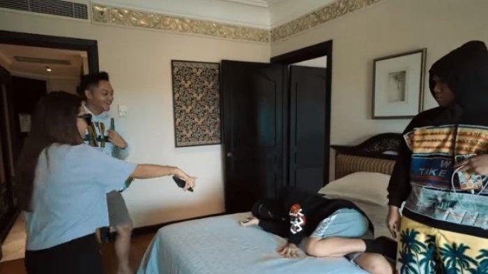 Terbaring Lemah & Diinfus, Thariq Positiv Covid-19, Bantah Tertular dari Pernikahan Atta Halilintar
