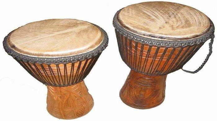 Mengenal  Lebih Dekat Alat Musik Tifa  dari Maluku dan Papua, Terbikin dari Kayu  Lenggua yang Kuat
