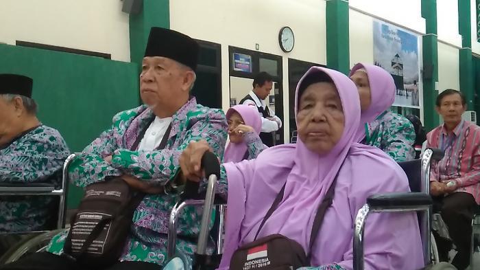 Tiga Jemaah Haji Kloter II Embarkasi Palembang Ditunda Berangkat Karena Sakit