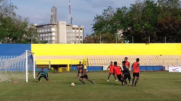 Tetap Jaga Kekompakan Pemain Sriwijaya FC Gelar Game Internal Budi Jo Soroti Dua Hal Ini