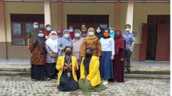 Unsri Beri Pelatihan dan Dampingi Guru Bahasa Indonesia di Ogan Ilir Menulis Karya Ilmiah