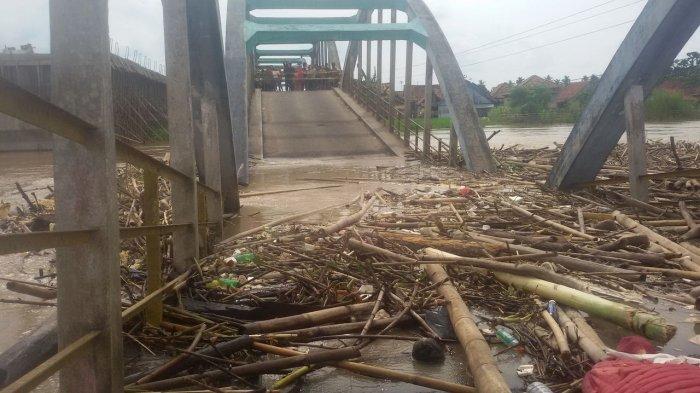 Jembatan Komering Putus, Banyak Anak Tidak Sekolah