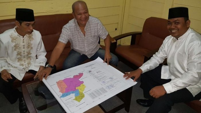 Dukung Pemekaran Gelumbang, Bupati PALI Tandatangani Peta Kabupaten Gelumbang