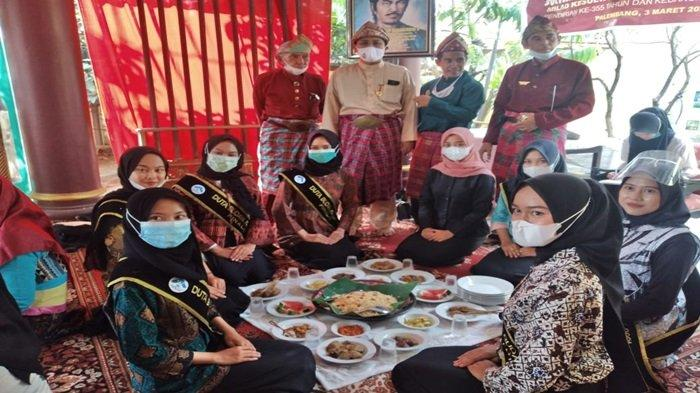 Mengenal Tradisi Ngidang - Ngobeng di Palembang, Budaya Muliakan Tamu yang Datang