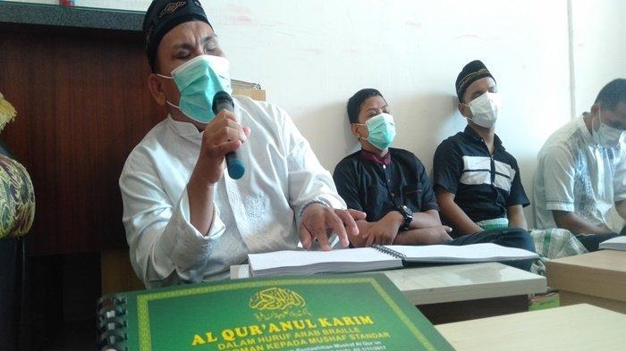 'Kami Tak Bisa Meihat', Penyandang Disabilitas Tunanetra di Palembang Antusias Baca Al Quran