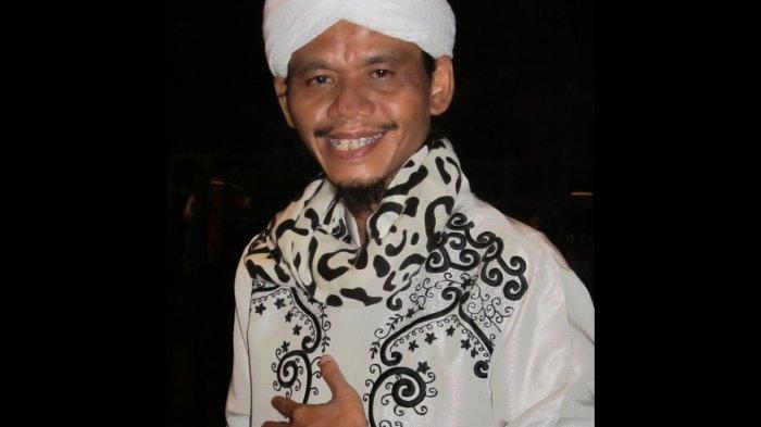 BREAKING NEWS: Bawa Berita Duka, Ustaz Solmed Kabarkan Ustaz Cepot Meninggal Dunia