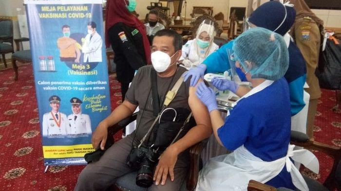 Pemkot Palembang Vaksinasi Ratusan Awak Media, Harnojoyo : Jangan Lupa Prokes
