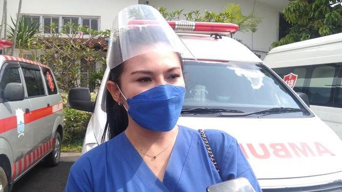Cerita Vaksinator Cantik dari RSUD Bari Palembang, Sehari Bisa Suntik 100 Orang