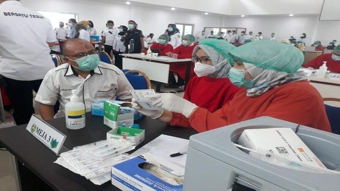 Tren Positif Penanganan Covid-19, Sudah 100 Juta Suntikan dan 140 Juta Dosis Vaksin Didistribusikan