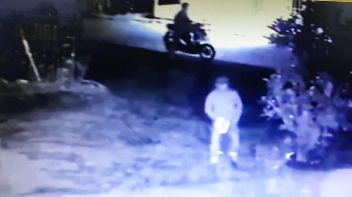 Video Aksi Bandit Pencuri Motor, Hanya Hitungan Detik Jebol Kunci Stang dan Larikan Hasil Curian