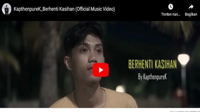 Viral di TikTok, Ini Lirik & Chord Lagu Berhenti Kasihan dari KapthenpureK 'Kalau Ti Suka Ko Bilang'