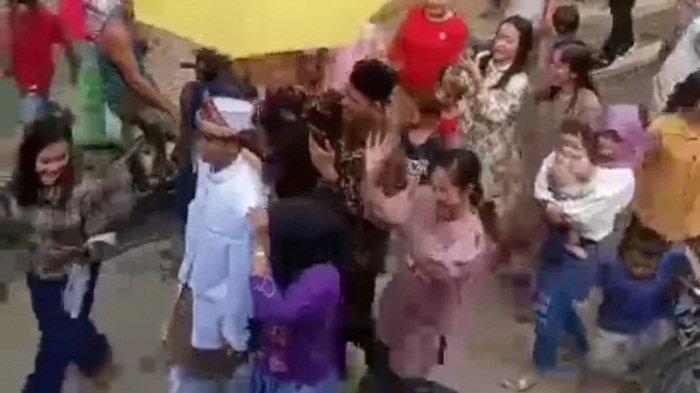Pernikahan antara remaja inisial S (17) dengan dua gadis inisial A (17) dan SS (17) di Kabupaten Musi Rawas Utara (Muratara), Jumat (10/9/2021).