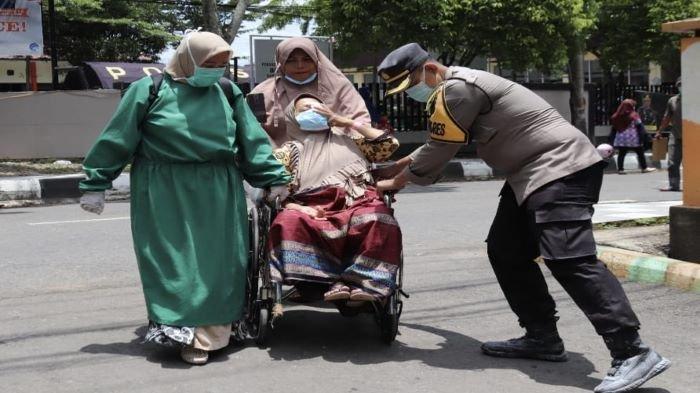 Cerita Waka Polres Muara Enim Amankan Proses Persalinan, Dalam Kebakaran RSUD Dr HM Rabain
