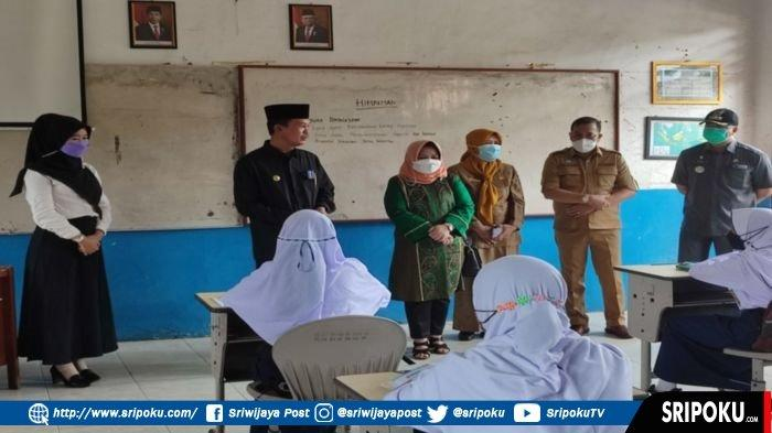Mulai Hari Ini 30 SMP Negeri, 90 SD dan 3 TK/PAUD Per Kecamatan di Palembang Laksanakan PTM Terbatas
