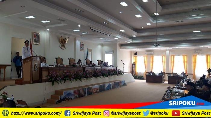 Paripurna Pertama di DPRD, Wako Pagaralam Paparkan Visi Misi