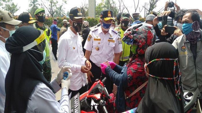 Walikota Palembang Harnojoyo Tinjau Check Poin Saat Penerapan PSBB Palembang