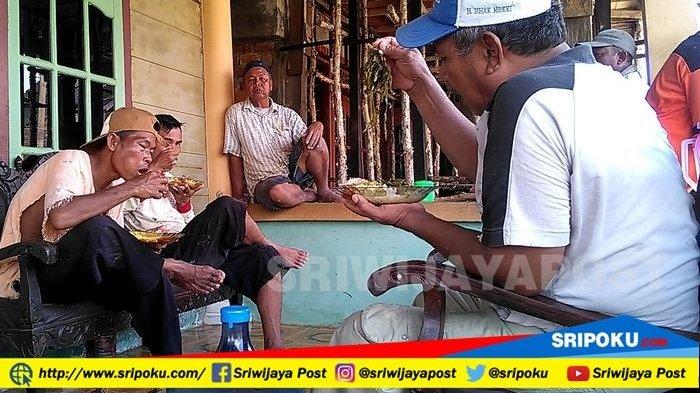 Fenomena Supermoon Bikin Heboh Warga Palembang