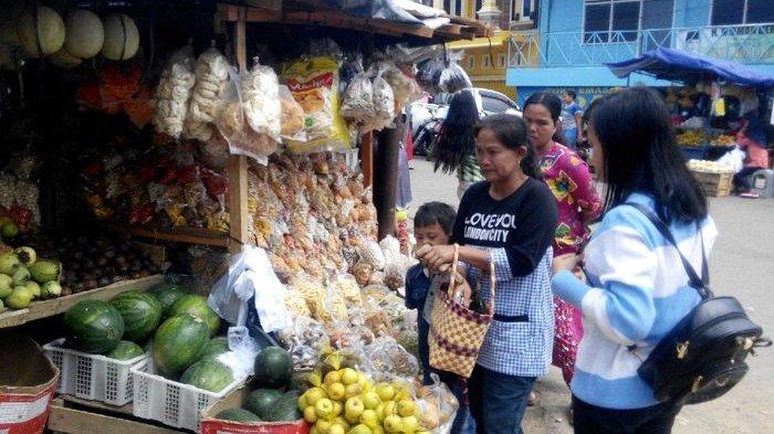 Kue Lebaran Mulai Bertebaran di Pasar Pendopo