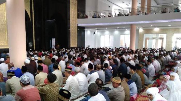 BREAKING NEWS : Besok Idul Fitri, 1 Syawal Jatuh pada Jumat 15 Juni 2018