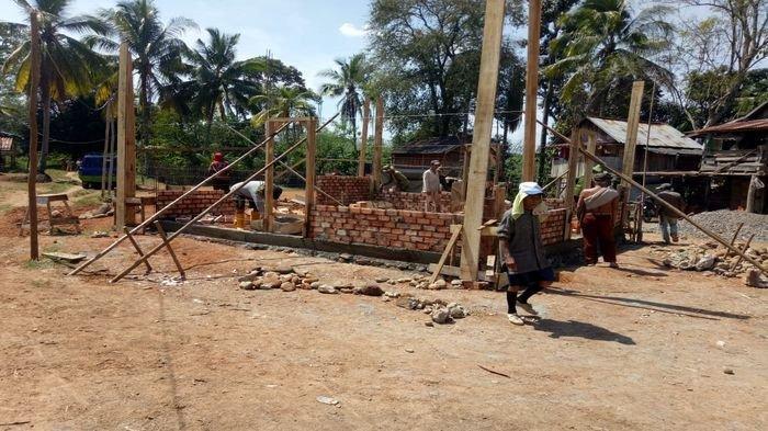 Terharu! Begini Ikhtiar Warga & PTBA Membangun Surau Tua di Tanjung Agung