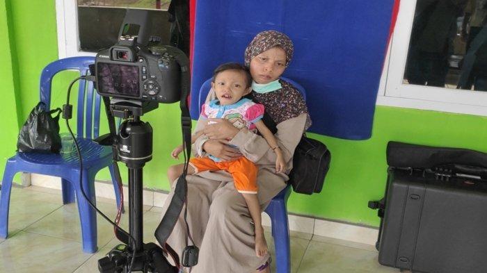 Warga Lampung Ini Terharu Bisa Jadi Penduduk Muaraenim, Anaknya Derita Gizi Buruk