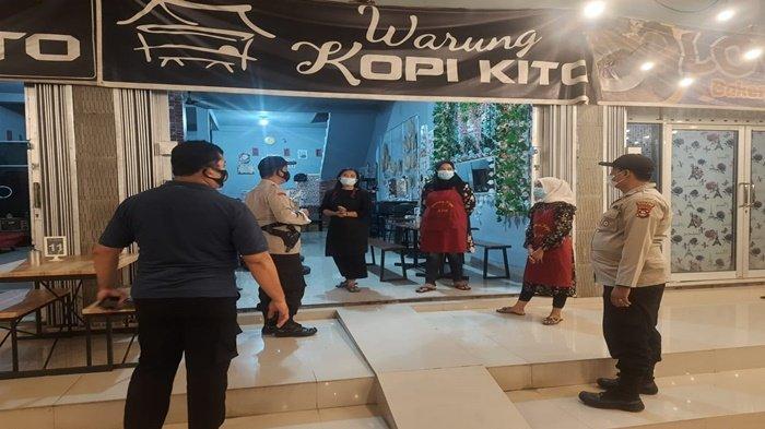Tidak Jaga Jarak & Pakai Masker, Kerumunan di Warung Kopi Dibubarkan Polsek Tanjung Batu