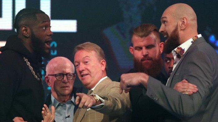 Conor McGregor Panen Untung di Tengah Konflik Deontay Wilder vs Tyson Fury