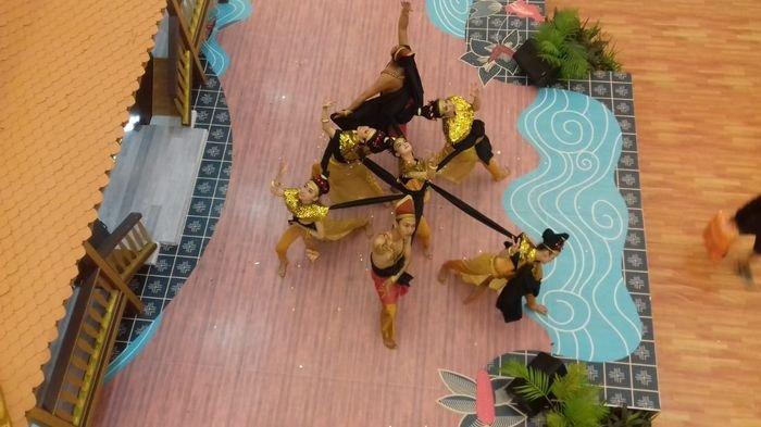 Perebutkan Jutaan Rupiah Women Competition Bowling Fun Games, Dimeriahkan Traditional Modern Dance