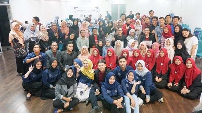 Mahasiswa Ilmu Komunikasi Universitas Sriwijaya Adakan Seminar Beasiswa dan Penggunaan Plastik