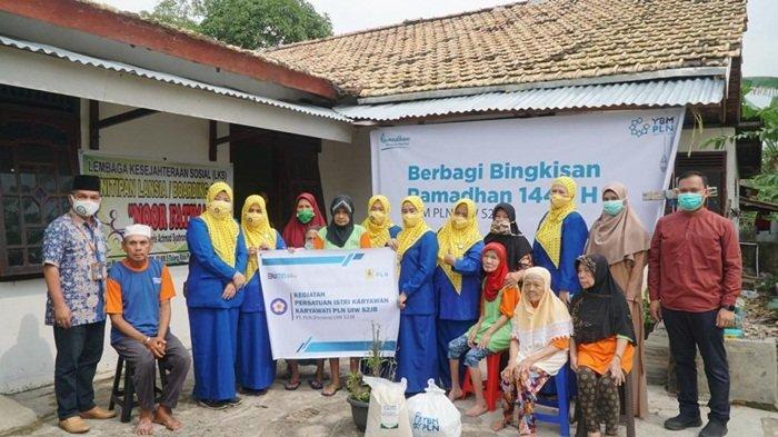 YBM Bersama PIKK UIW S2JB Bantu Yatim, Dhuafa, dan Lansia Terlantar