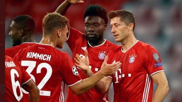 Robert Lewandowski merayakan gol untuk Bayern Muenchen ke gawang Chelsea dalam partai Liga Champions, 8 Agustus 2020.