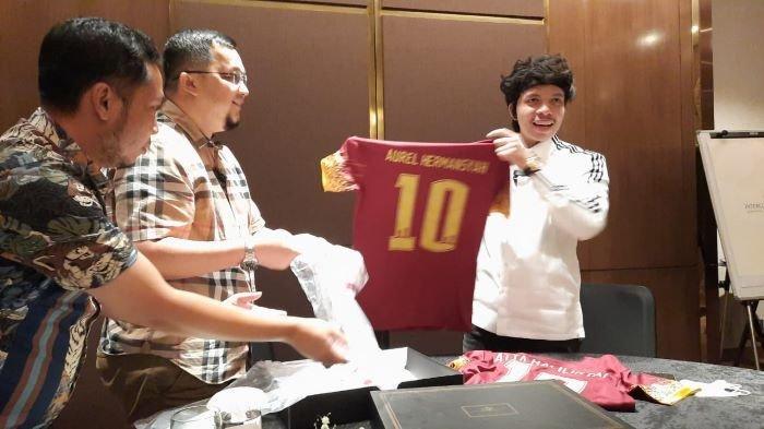 Ditawarai Sriwijaya FC Kelola Habis Hingga Jadi CEO, Atta Halilintar: Saya Minta Restu Aurel Dulu