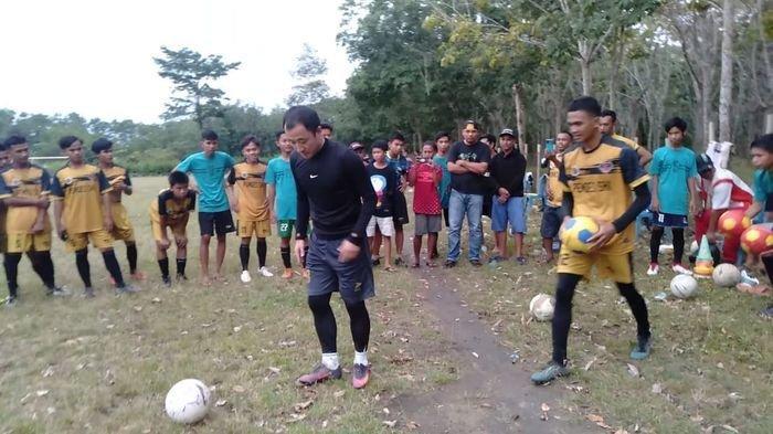 Jauhkan Pemuda Desa Seri Kembang dari Pengaruh Narkoba, Wendra Ajak Generasi Muda Tekuni Sepakbola