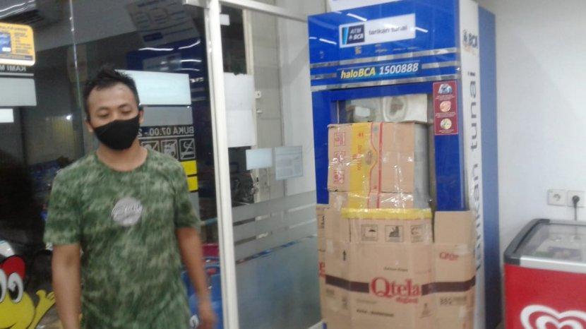 Gagal Gasak Uang Di Atm Kawanan Pencuri Ambil Rokok Di Indomaret Kebun Bunga Sriwijaya Post