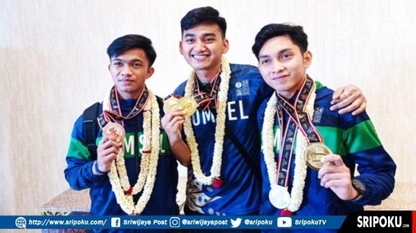 ricky-dhisulimah-tengah-penyumbang-dua-medali-emas-anggar-sumsel-pon-xx-papua.jpg
